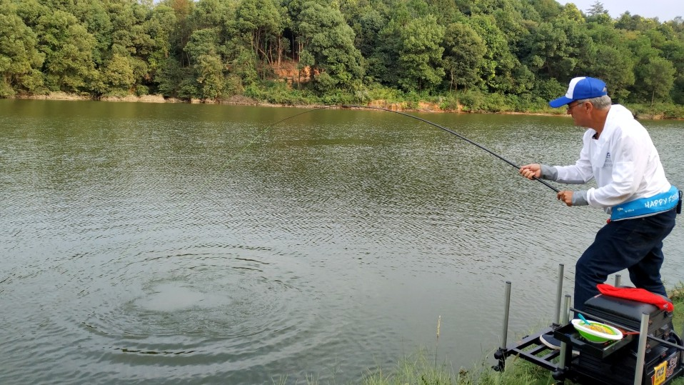pole-fishing-china-spot2